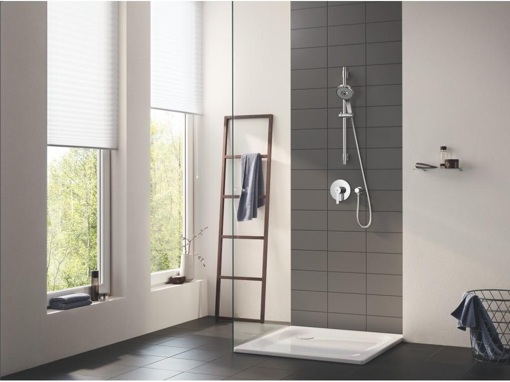 Lineare divar ici duş qarışdırıcısı